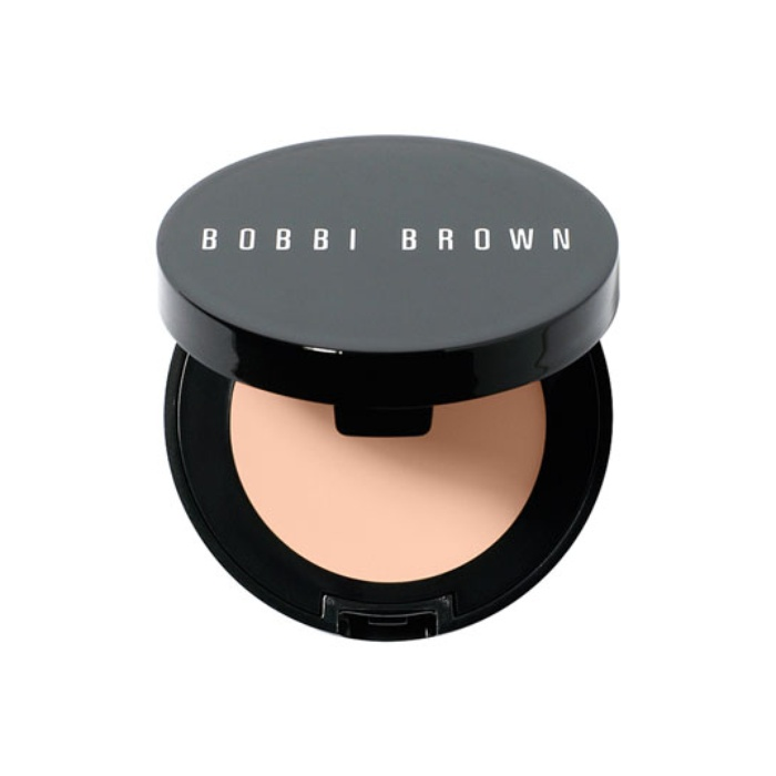 Beauty Guru and Television Host - Bobbi Brown Corrector