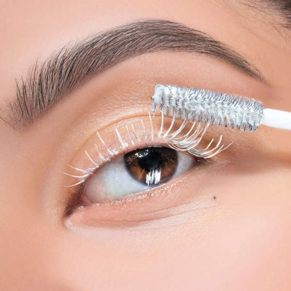 688fb2f7a27 How To Ensure Your Mascara Stays Clump-Free and Lasts All Day With A Lash  Primer