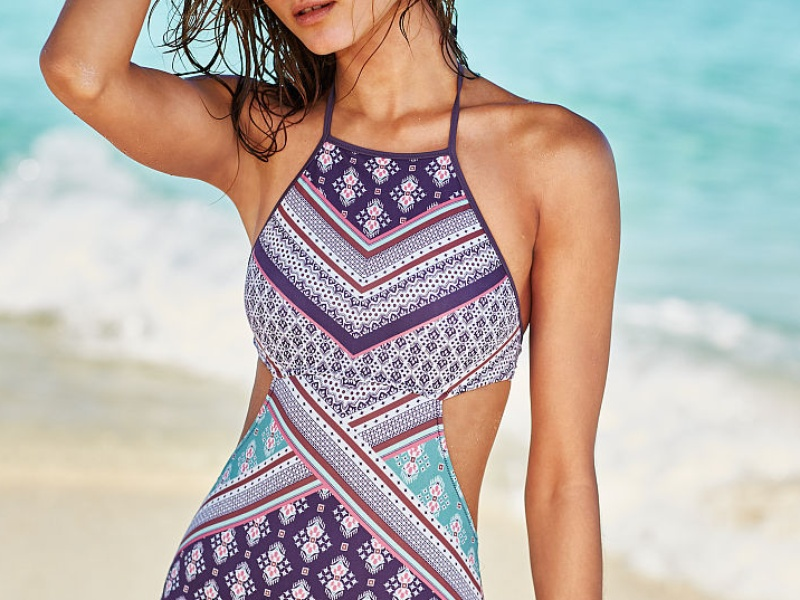 Rank & Style - Best One-Piece Patterned Swimsuits