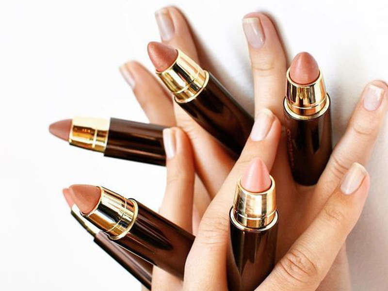 10 Best Universally Flattering Nude Lipsticks