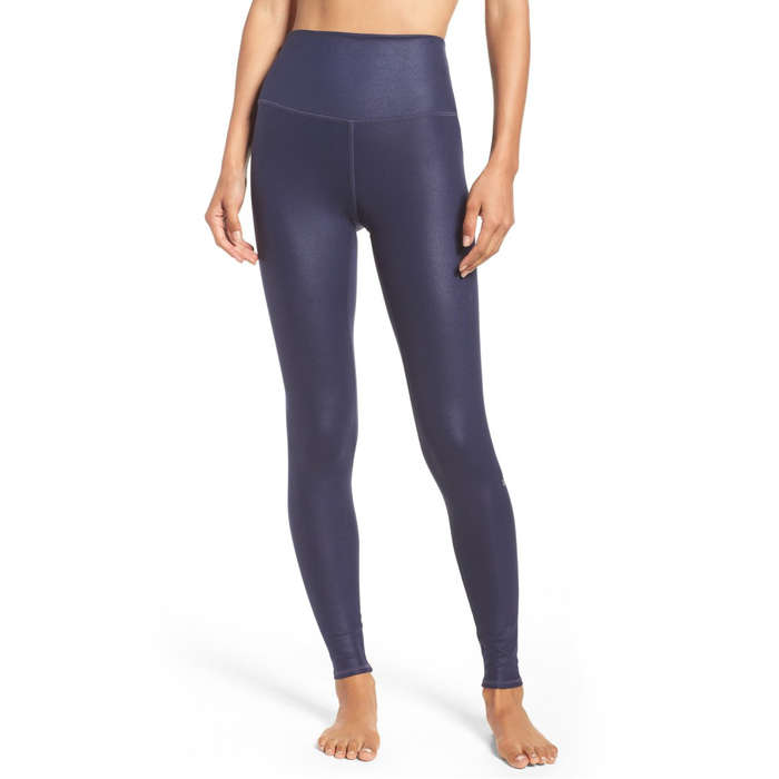 ea1c0ecb 10 Best Yoga Pants | Rank & Style