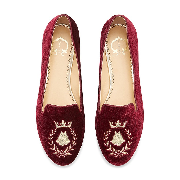 Best For the Preppy Girl - C. Wonder Dog Crest Novelty Smoking Slipper