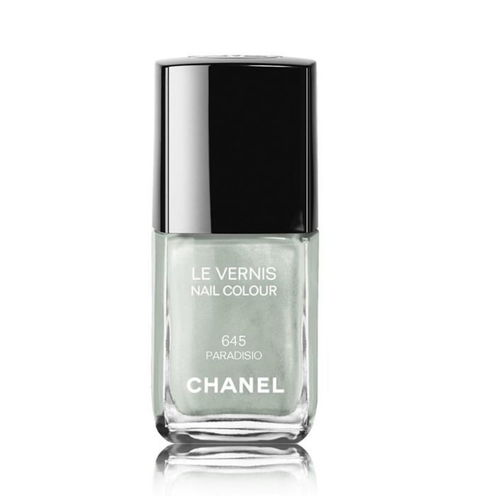 Best Summer 2015 Nail Trends - Chanel Le Vernis Nail Colour in Paradiso