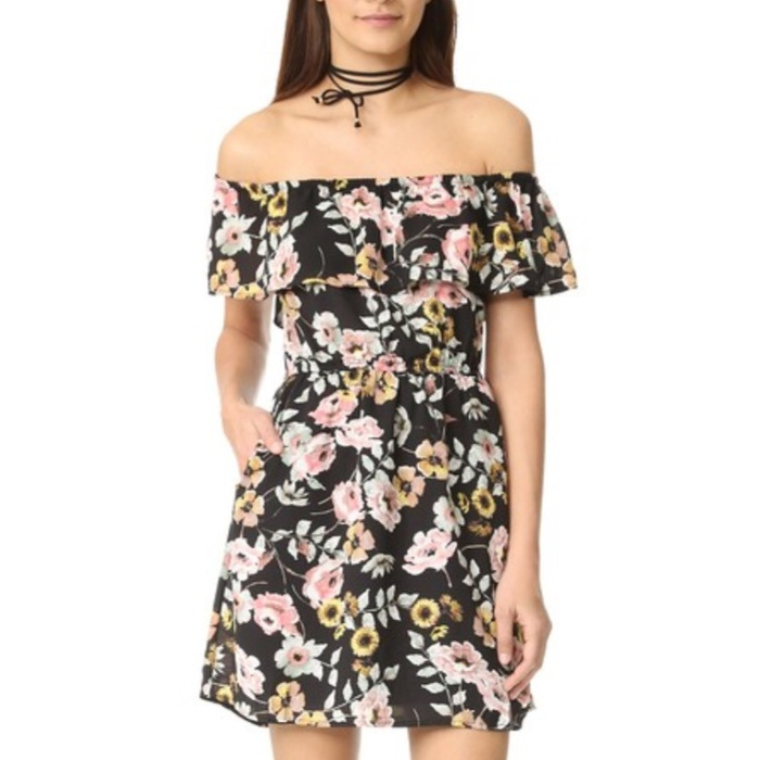 Best Amazon Dresses Under $150 - Cupcakes and Cashmere Trenton Everly Floral Dress