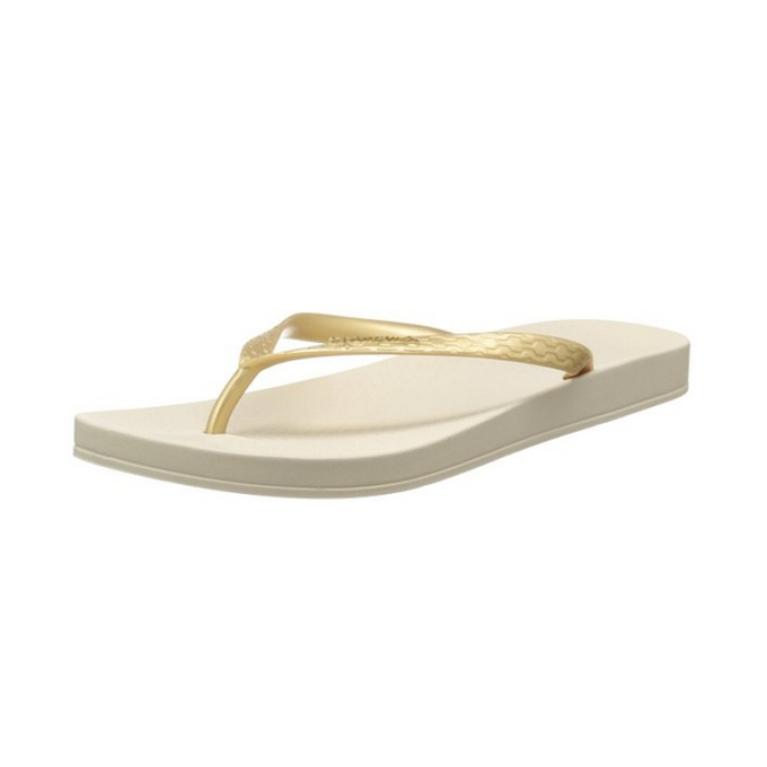 Best Ten Summer Musts for the Beach - Ipanema Ana Flip Flop