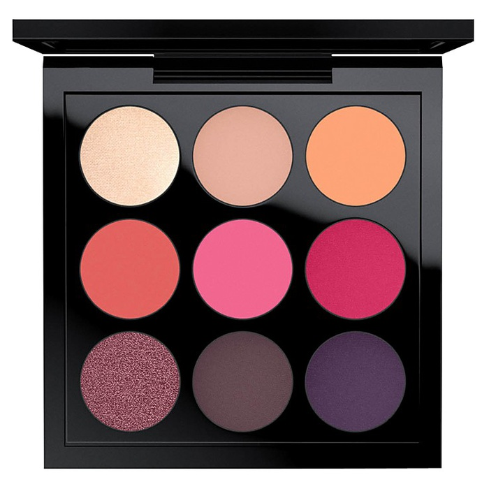 Best Travel Beauty Kits - MAC Eye Shadow x 9