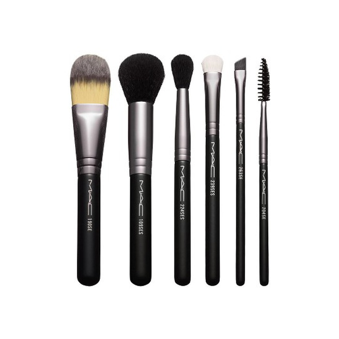 Nordstrom Anniversary Sale 2017 Beauty Picks - MAC Look in a Box Basic Brush Set: Sale $49.50 ($162 Value)
